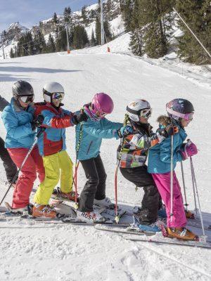 68-grand-massif-enfants-skieurs-samoens