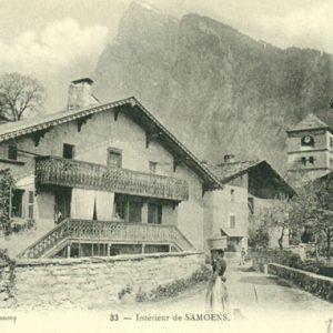 vieille-carte-postale-intérieur-du-village