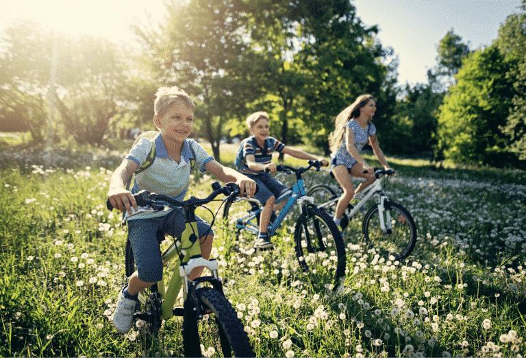 Faire du vélo en famille à Samoëns