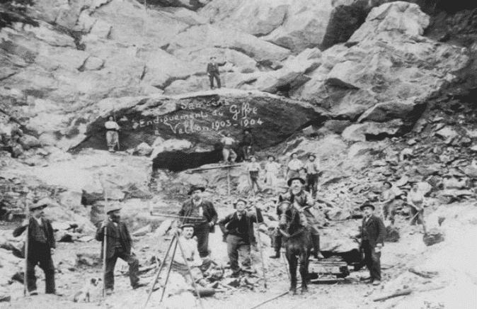 Tailleurs de pierre à Samoëns